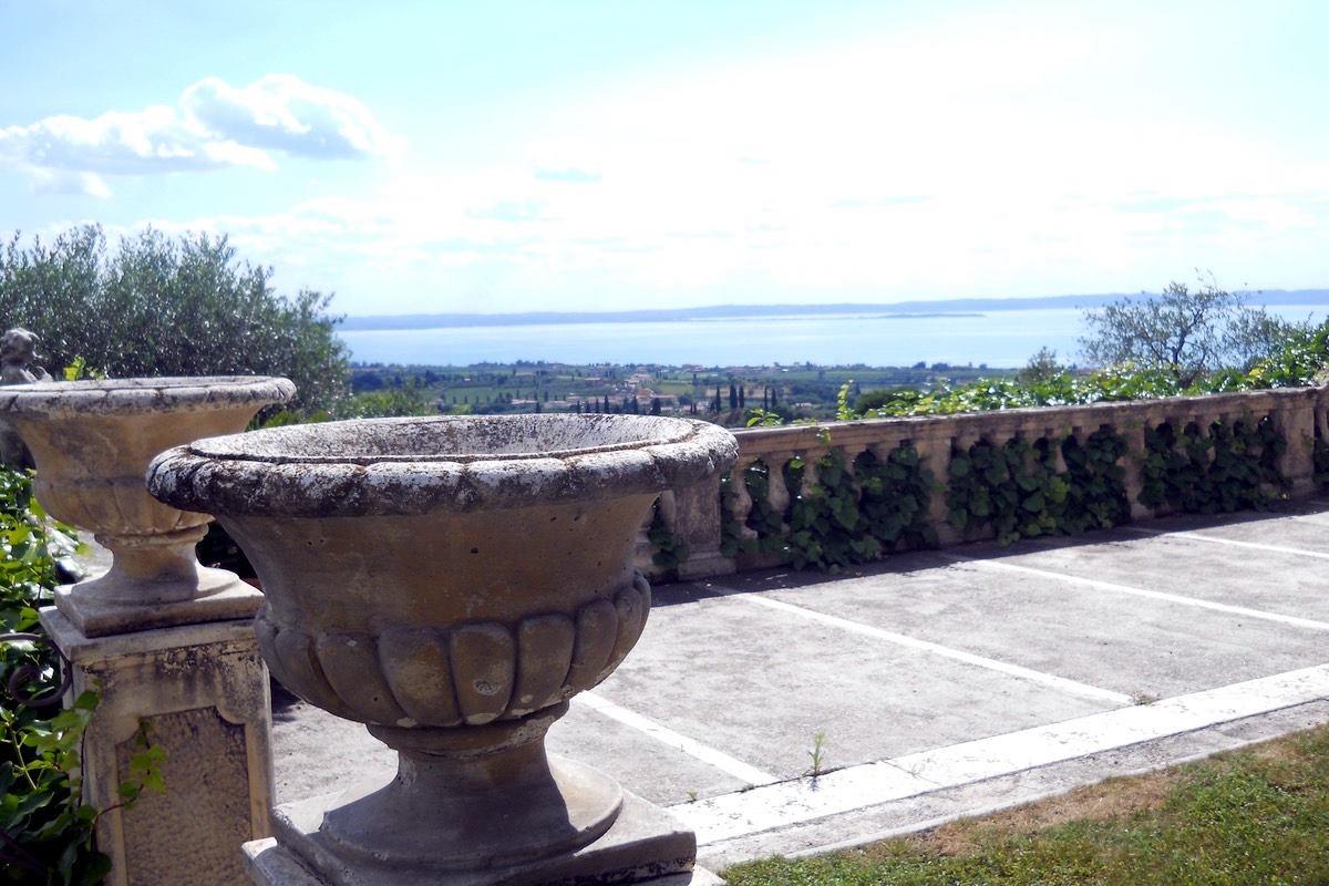 Historische Villa Gardasee Verkauf