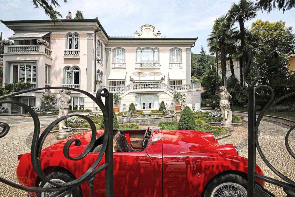 Historische Villa am Gardasee zur Miete am Seeufer 02
