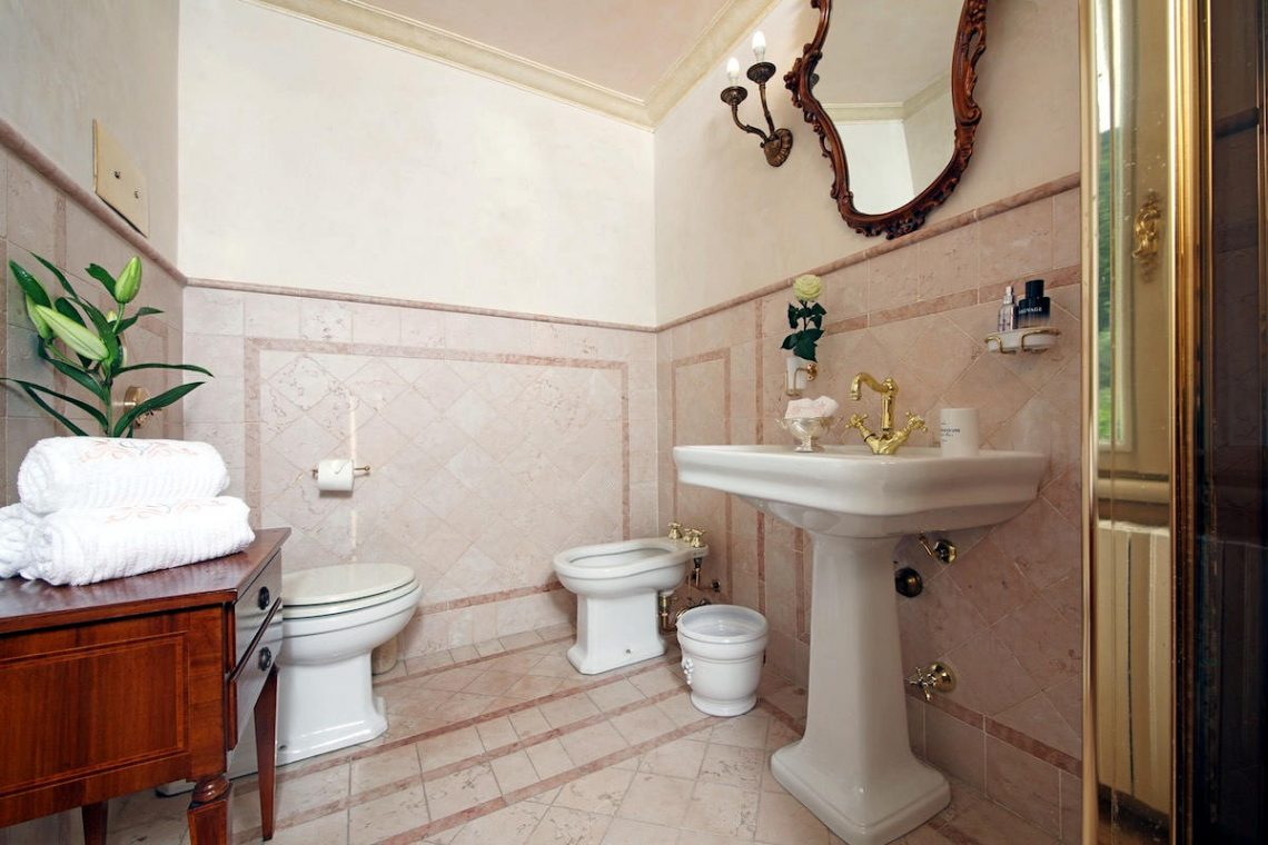 Historic Villa Lake Garda for Rent 34