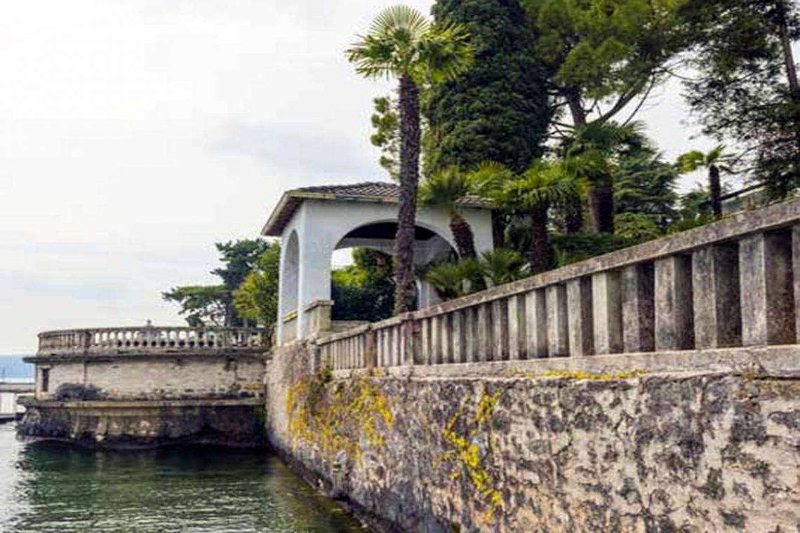 Historische Villa Gardasee zur Miete am See 04