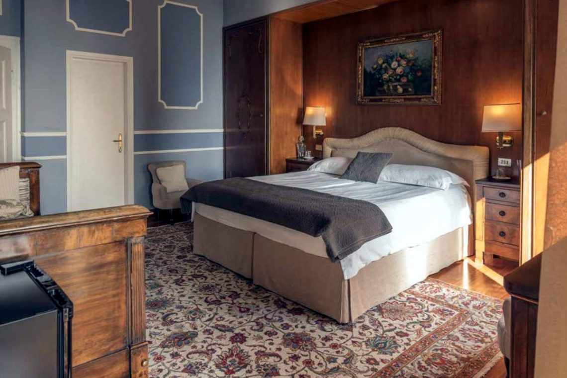 Historische Villa Gardasee zur Miete am See 23