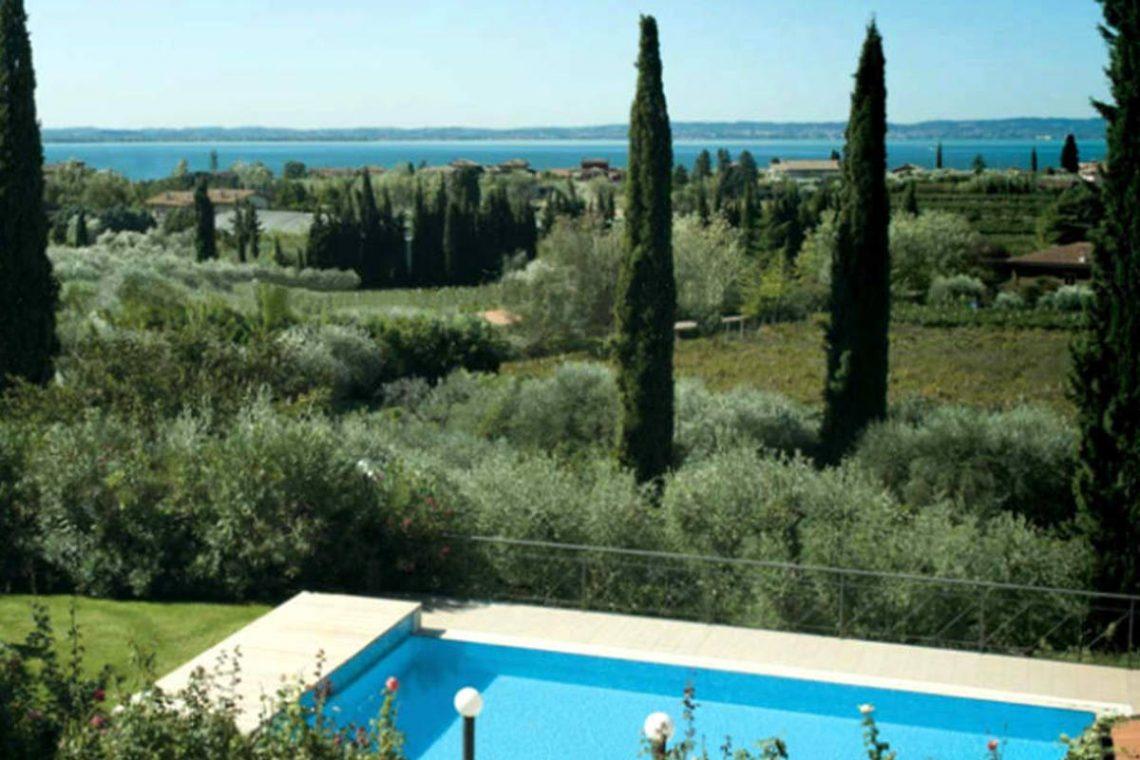 Villa Lazise zur Miete mit Panorama-Swimmingpool 01