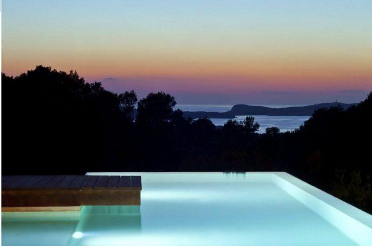 Ibiza Villa zur Miete mit Infinity Pool und Meerblick