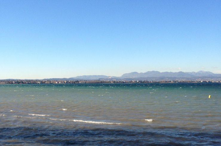 Vertraulich: Luxus Villa Gardasee am Strand von Sirmione
