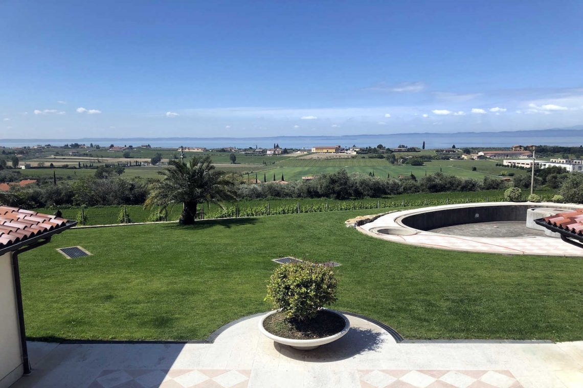 Villa in Bardolino verkauf in Panoramalage mit Seeblick 03