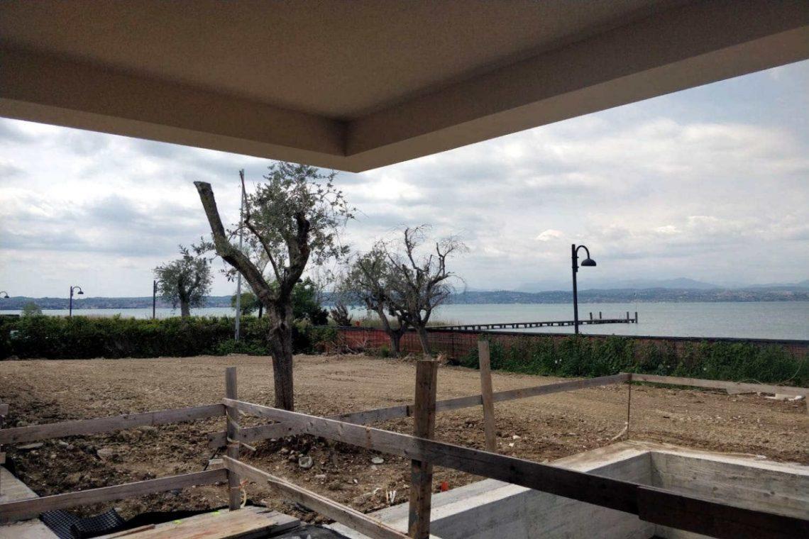 Villa Sirmione direkt am Strand 02