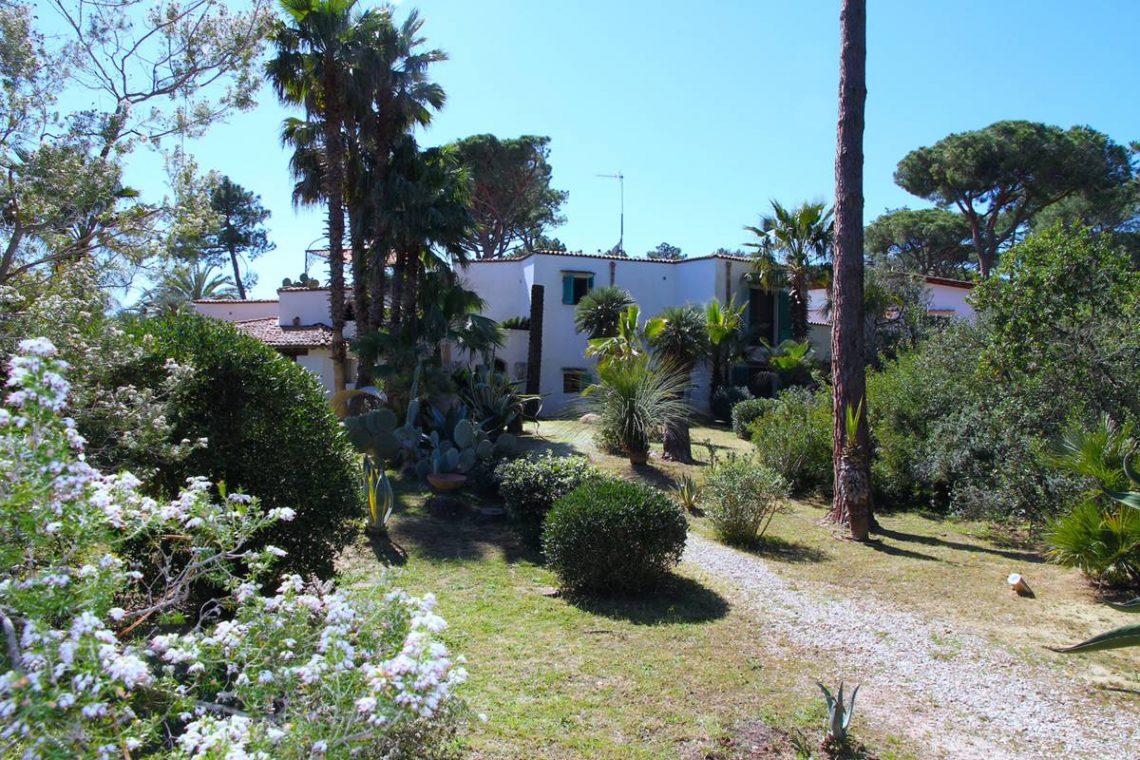 Villa zum Verkauf Roccamare 02