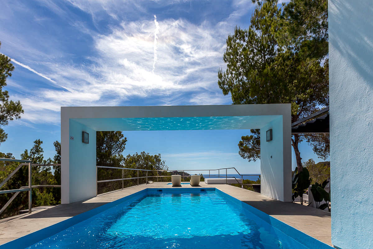 Ibiza Luxusvilla zum Verkauf mit herrlichem Meerblick