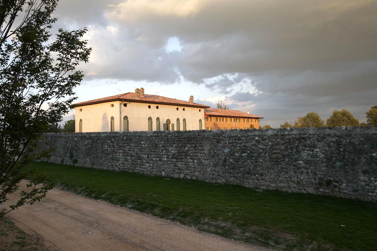 RelaisCustoza inland des Gardasees zu verkaufen