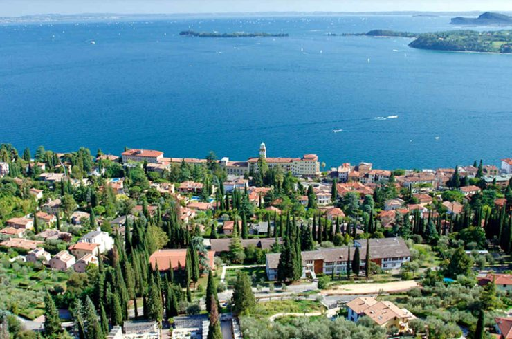 Vertraulich: Villa am Gardasee zu vermieten mit modernem Design