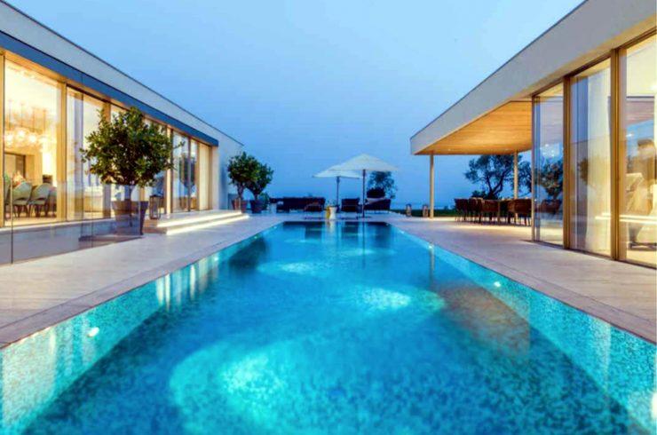 Vertraulich: Luxusvillaam Gardaseezur Miete mit 5-Sterne-Service