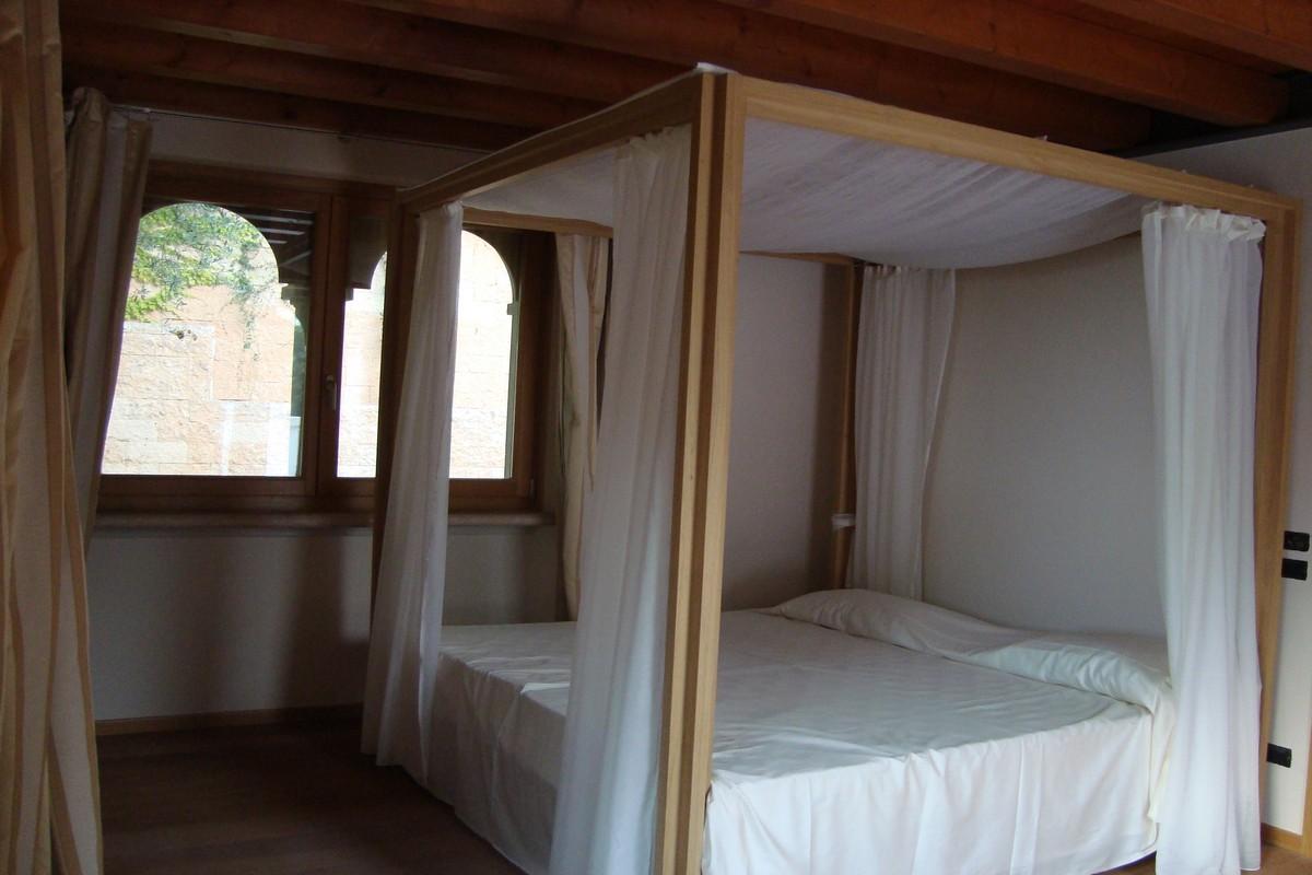 Villa Lazise del Garda zum vermieten mit Pool und Seeblick