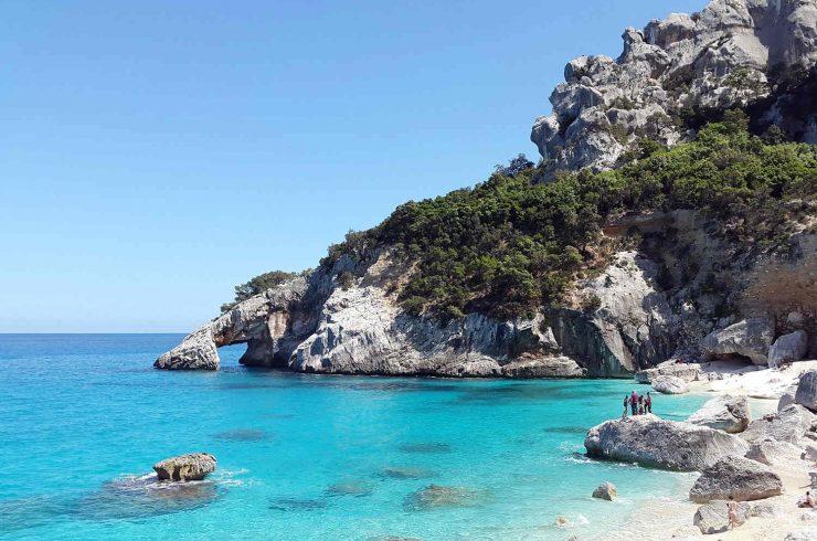Vertraulich: Villa direkt am Meer Sardinien in Portobello
